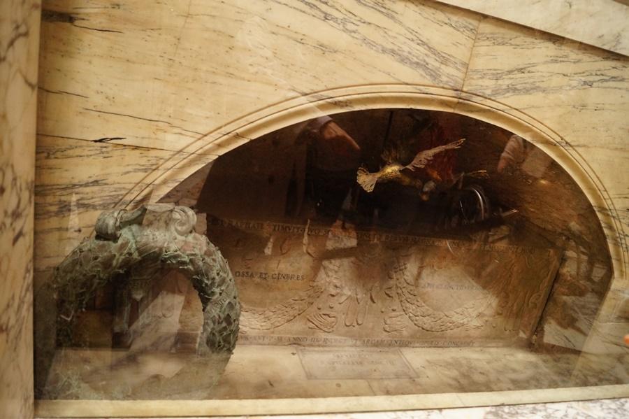 Mormantul lui Raphael