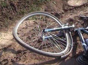 На Сумщине легковушка сбила велосипедистку