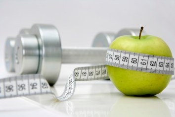 lose-weight-apple.jpg