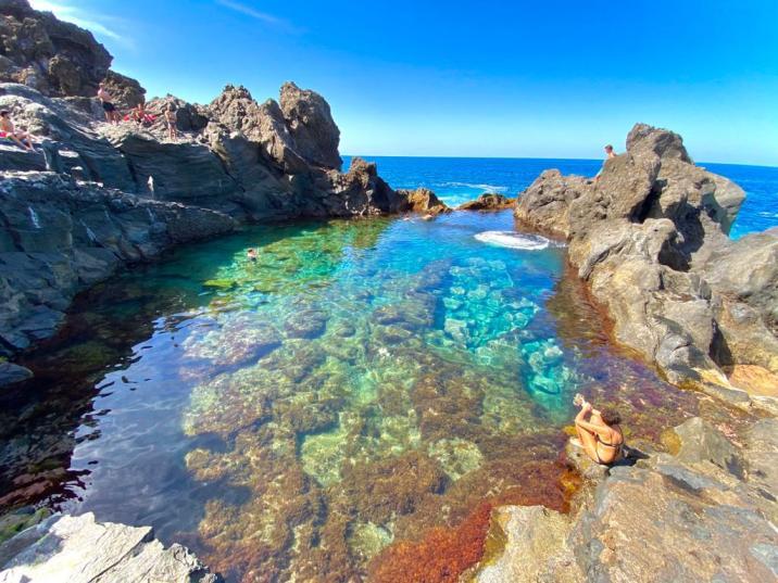 piscina natural el charco de la laja - lugares imperdibles de Tenerife