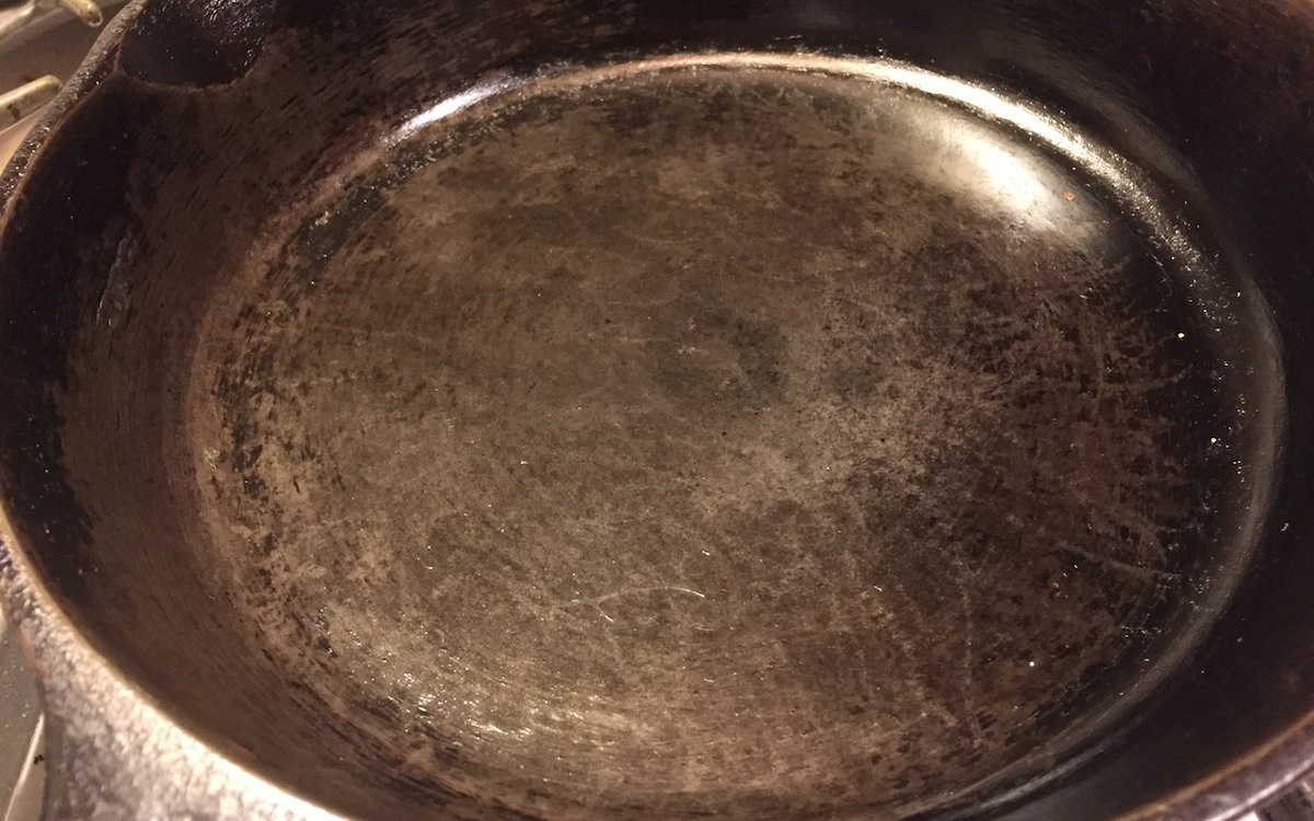 Clean Cast Iron Pan