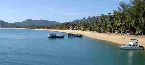 Maenam Beach in Koh Samui