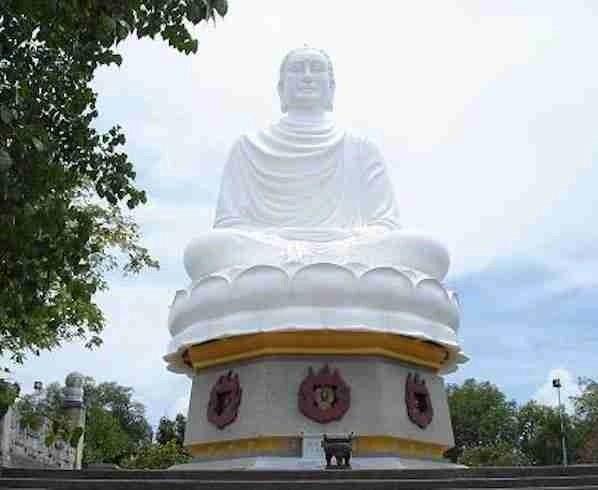 Long Son Buddha in Nha Trang