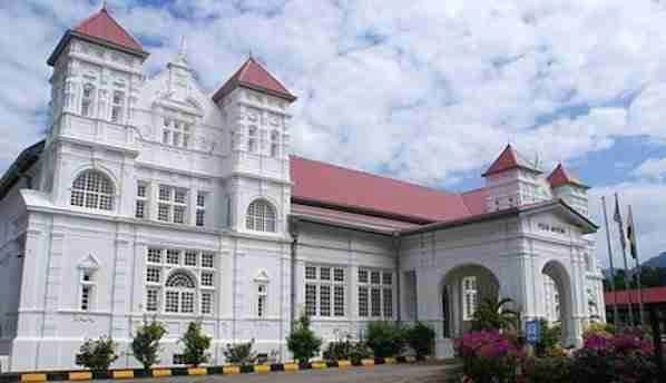 The Perak Museum in Taiping is the first and oldest museum in Malaysia