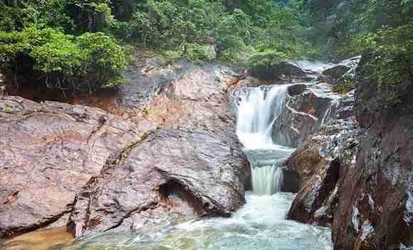 Than Mayom Falls in Koh Chang