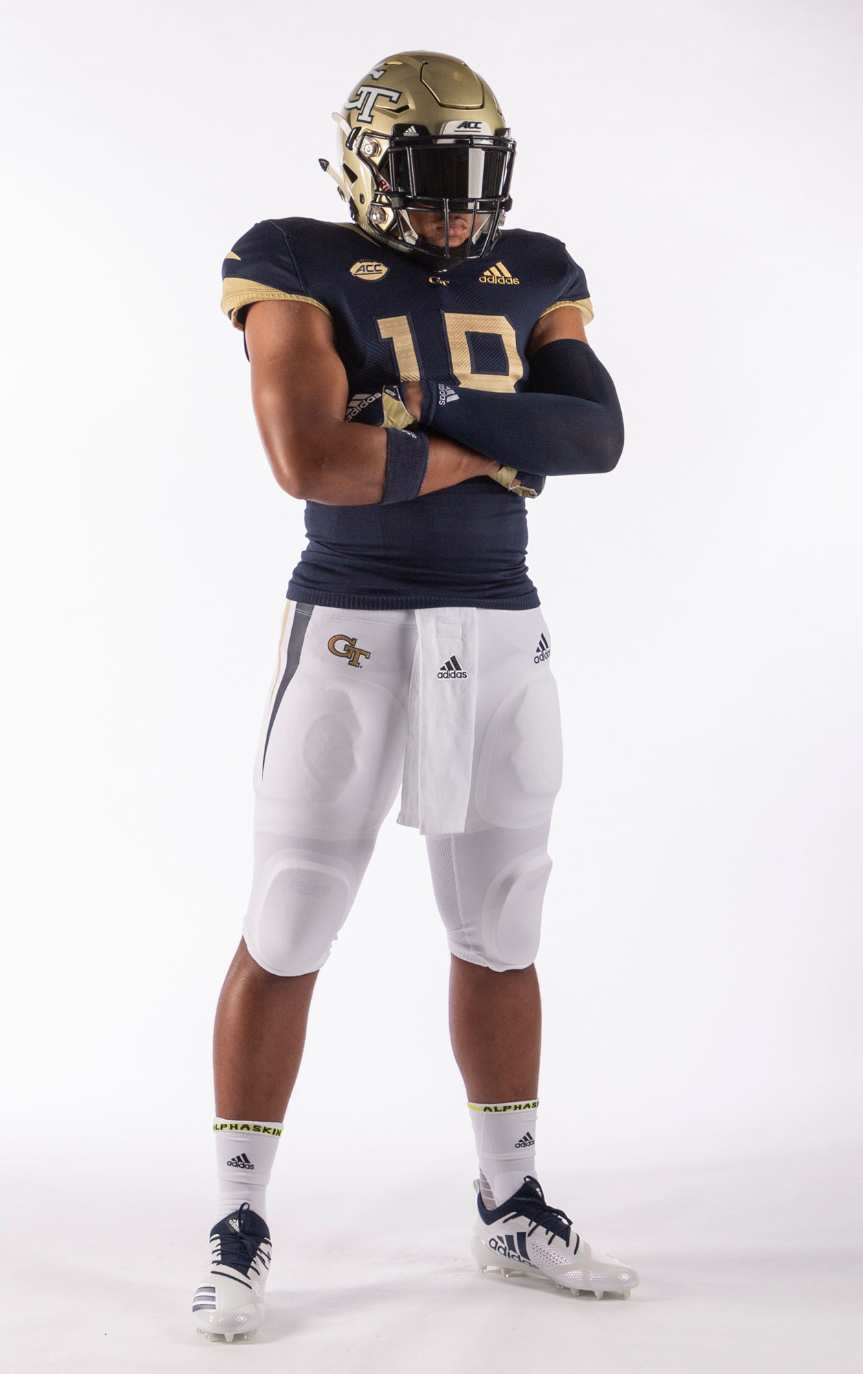 Saturday S Uniforms A Nod To 1990 National Champs