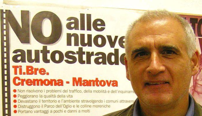 Il segretario della federazione cremonese di Rifondazione Gianmario Confortini