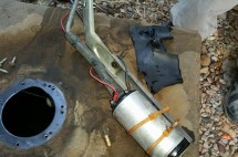 Nice gas tank. Look at all those leaks and rotten seal.