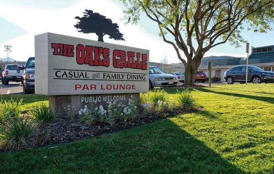 Oaks Grille