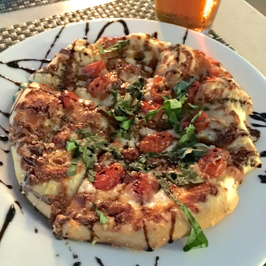Oaks Grille Margherita Pizza