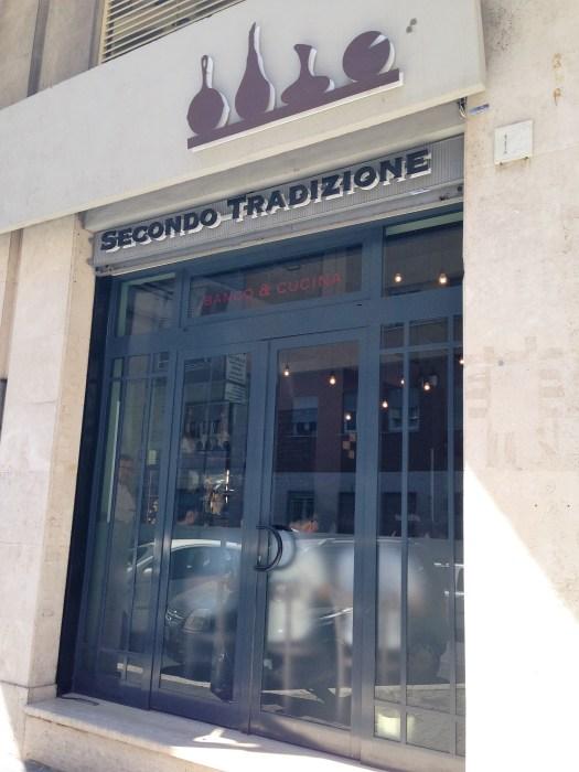 Secondo Tradizione. Banco & Cucina-Via Rialto 39-Roma