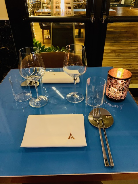 ristorante-amami-fusion-roma-tavoli-mise en place