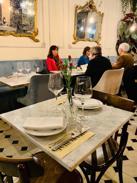 tavolino interno Il Marchese