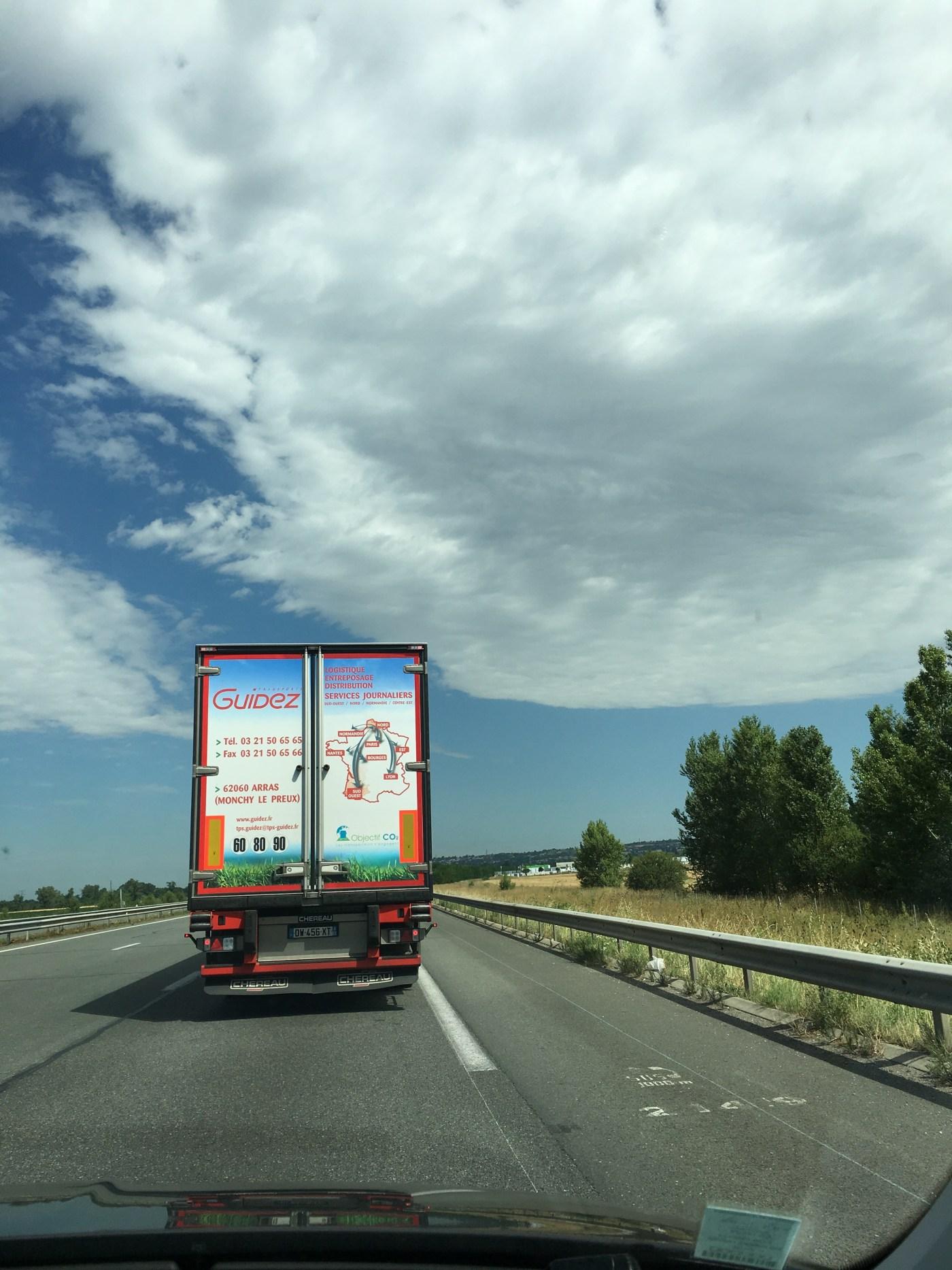 フランスの高速道路は制限130km/hとか!?