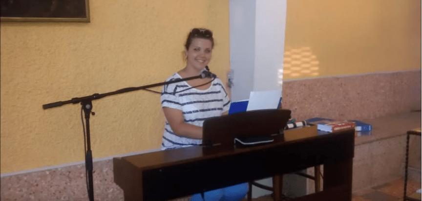 """Poslušajte pjesmu """"Slomljeni pečati"""" u izvedbi Nikoline Vladić i Frame Gračac"""