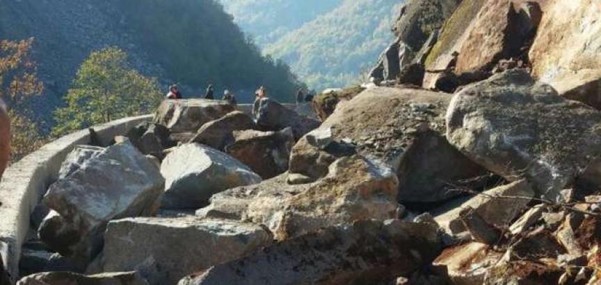Veliki odron na cesti Jablanica – Rama