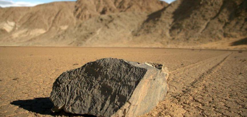 Misterij Doline smrti: Kamenje koje hoda