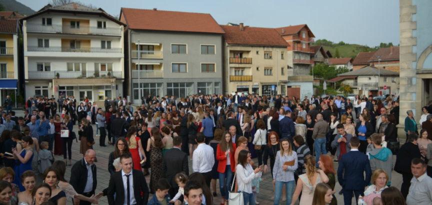 Foto: Maturalna zabava učenika Srednje škole Prozor