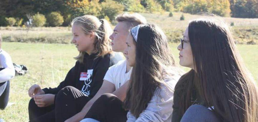 Foto: Srednjoškolci iz općine Prozor-Rama bili domaćini kolegama iz UWC Mostar