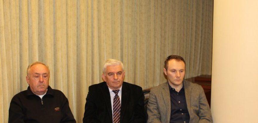 "Prof. dr. Ivan Markešić o knjizi ""Oteto djetinjstvo"" don Pave Crnjca"