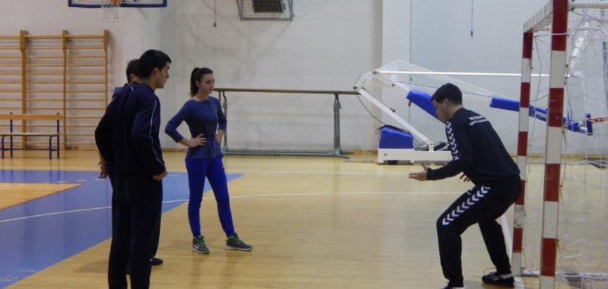 """Rukometaši """"Optimista"""" treniraju uz podršku profesionalnih rukometaša"""