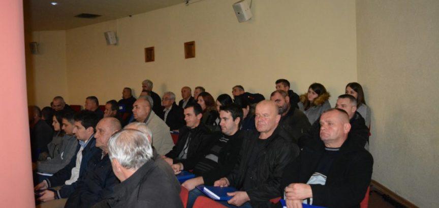 Foto: Devedesetka održala Izbornu skupštinu Prozor-Rama. Za predsjednika ponovno izabran dr. Jozo Ivančević