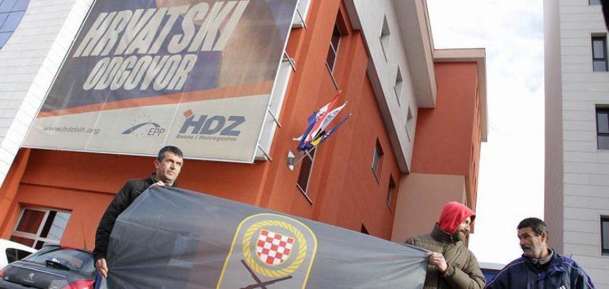 Mirni prosvjedi zaboravljenih branitelja u Mostaru