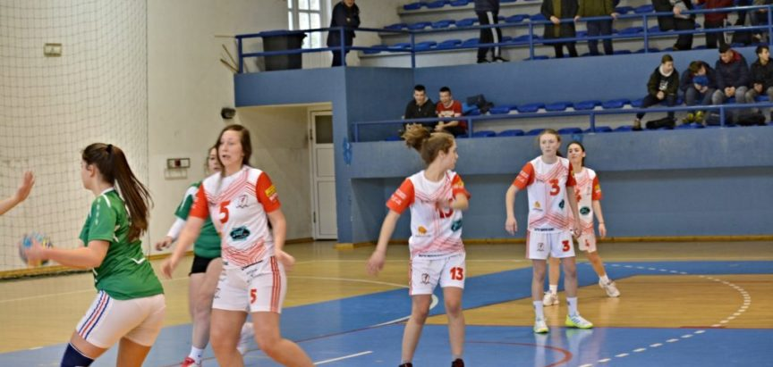 """Foto: Rukometaši """"Optimista"""" odigrali još jednu prijateljsku utakmicu sa """"Turbinom"""" Jablanica"""