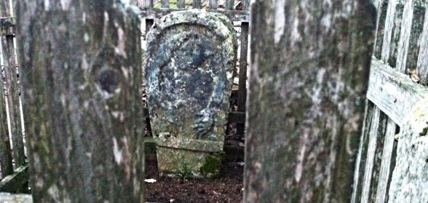 """Biskupov grob kod izvora """"Zelenjak"""""""