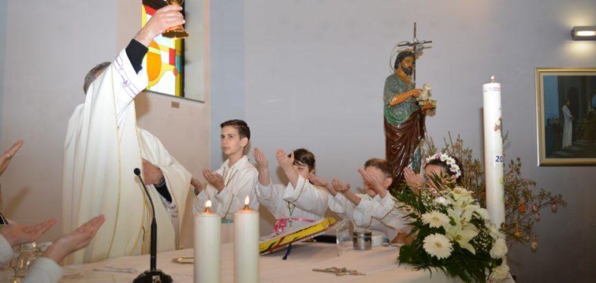 FOTO: Prva pričest u ramskim župama Prozor, Uzdol, Rumboci i Gračac