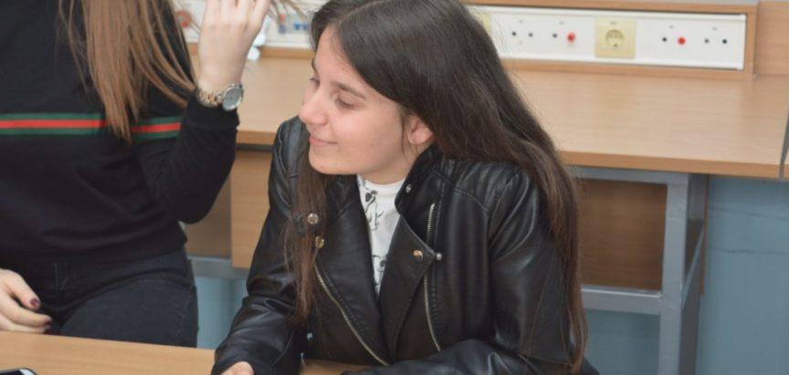 Foto i razgovor s maturantima Srednje škole Prozor
