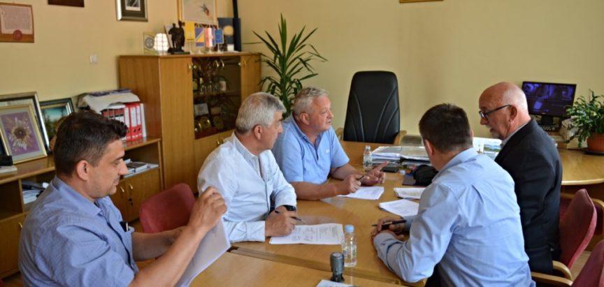 Vodovod ide dalje: Potpisani ugovori za Družinoviće, Šlimac, Lapsunj i Ometale
