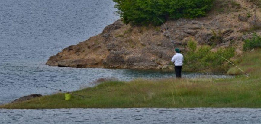 Foto: Pređu 500 kilometara kako bi ribarili na Ramskom jezeru