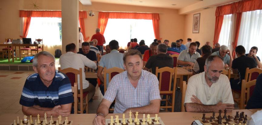 Foto: Odigran Međunarodni šahovski turnir u povodu Dana općine Prozor-Rama