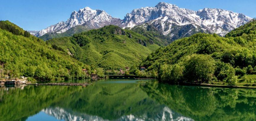 Razvoj turizma na tri jezera