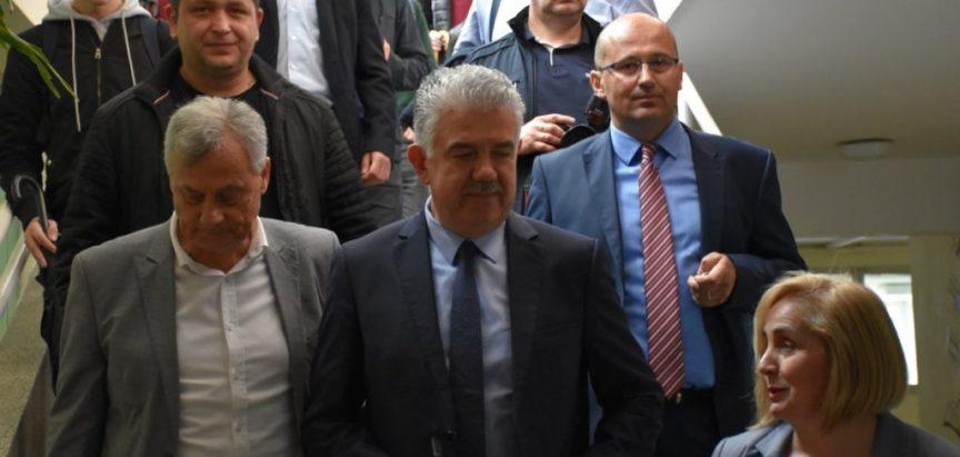 Predsjednik Vlade HNŽ-a u posjetu općini Prozor-Rama, ali zaobilazi zgradu općine