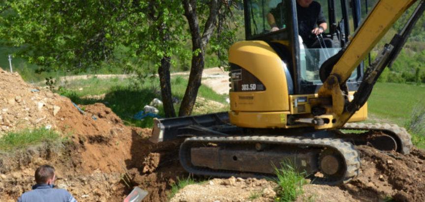 Foto/Video: Radovi na izgradnji vodospremnika za naselja  Družinovići, Lapsunj i Šlimac