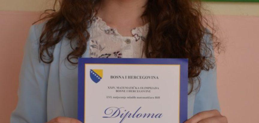 Foto: U Srednjoj školi Prozor dodijeljene diplome učenicima koji su postigli dobar uspjeh na županijskim natjecanjima