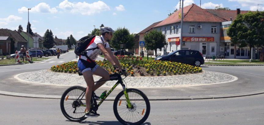 Foto: Ramski biciklisti stigli u Vukovar
