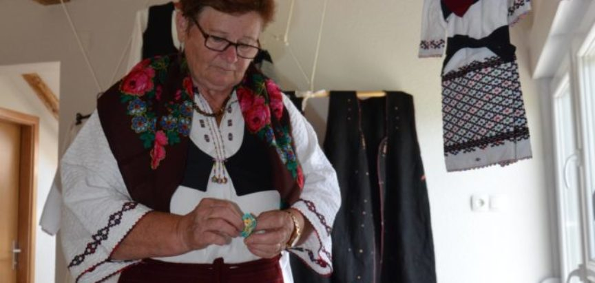 Foto/video: Čuvanje i izrada rukotvorina Kate Karača iz Donje Vasti