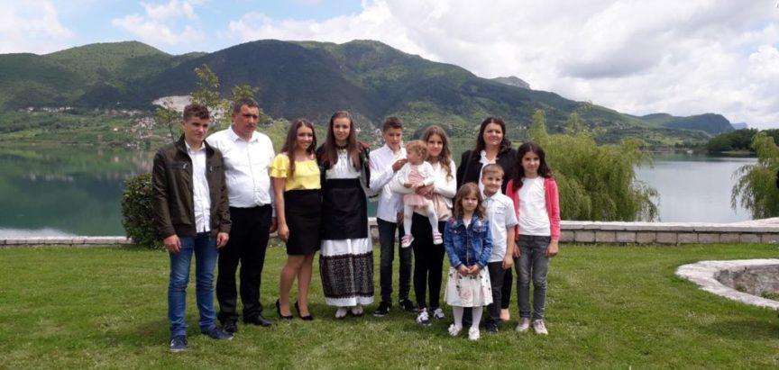 Ljudi, život i običaji –  Obiteljska radost s devetero djece