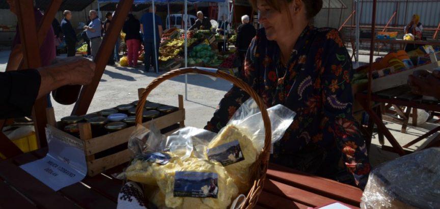 Foto: Miholj u Prozoru- na tržnici domaći proizvodi