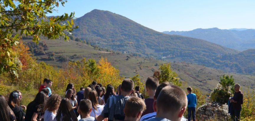 Foto: Učenici završnih razreda osnovnih škola u posjetu Uzdolu