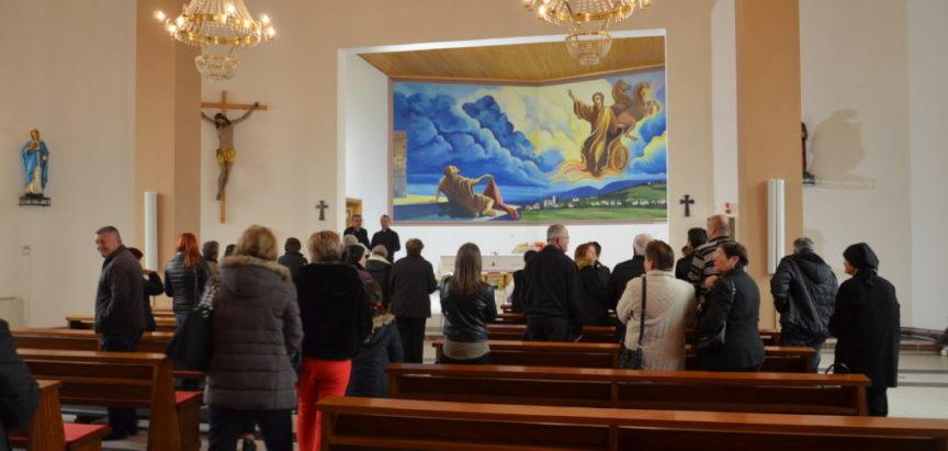 Foto: Uzdoljani hodočastili na grob Sluge Božjeg Petra Barbarića u Travniku