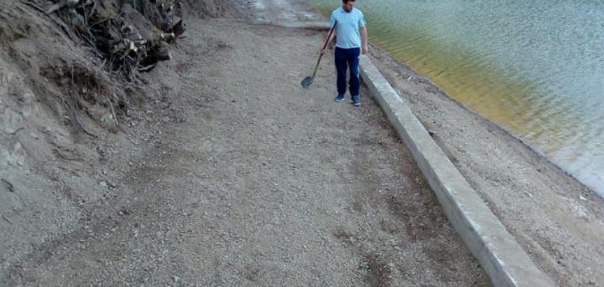 Foto: Ustramljani uredili plažu i dvorište škole