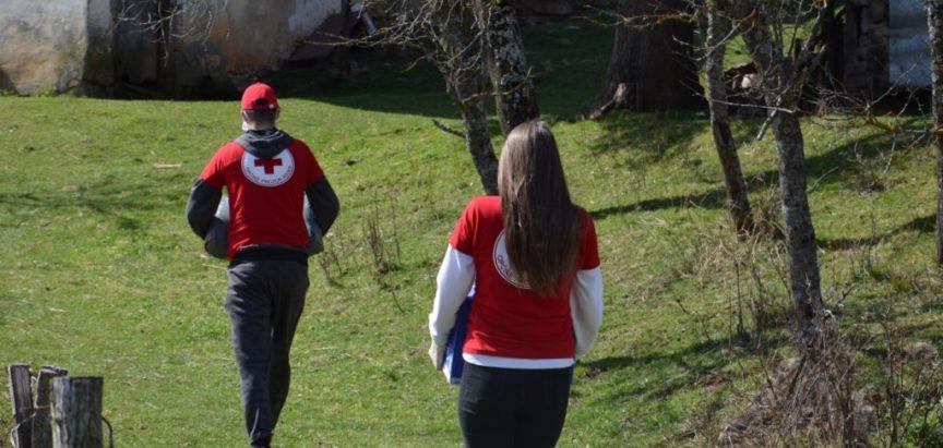 Hod s djelatnicima i volonterima Crvenog križa Prozor-Rama  u dostavi namirnica potrebnima