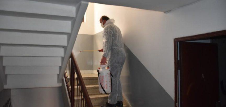 Započela dezinfekcija ulaza i haustora u Prozoru