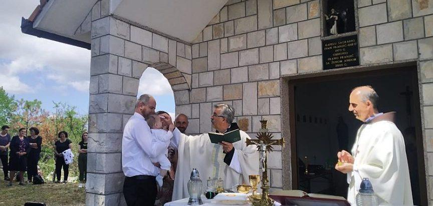 Na proslavi sv. Ilije kršten mali Ilija, deveto dijete obitelji Šarac