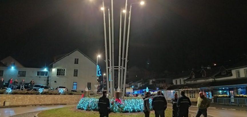 Drugu adventsku svijeću upalili ramski vatrogasci