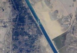 Više od 300 brodova čeka otvaranje Sueskog kanala